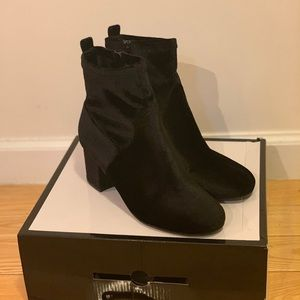 Nine West Fashion Heeled Boot - Black Velvet 🖤